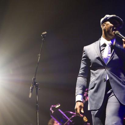 Ola Onabulé zeigt beim dritten Konzert im Jazz Club Minden seine wahre Klasse